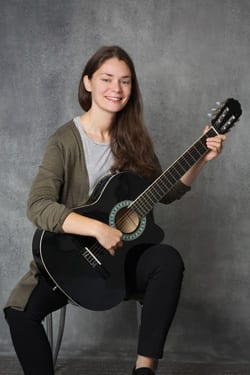 Aisling Roberts Classical Guitar Lessons Dublin Mezzo Music Academy